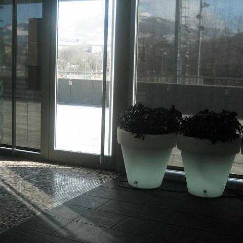 tiestos con luz vondom diseño interiores reformas decoración